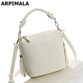 ARPIMALA 2017 Summer Bags Luxury Handbags Knitted Women Bags Designer Purses High Quality Fringe Ladies Hand Bags Tote Crossbody