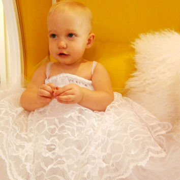 White Flower girl tutu dress with lace / Junior Bridesmaid / Pageant Dress / Tulle Flower girl / Christening Gown / Flowergirl