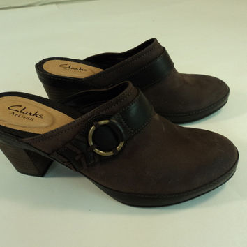 Clarks Mule Shoes Heels 3.0in Heel Dark Brown Nub Female Adult 8M 39EU -- New No Tags