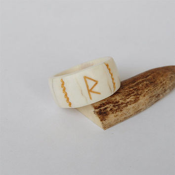 Antler Ring with rune Raido hand carved out of natural shed deer antler. Size 11