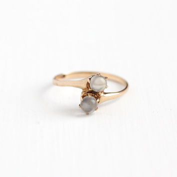 Antique Victorian 10k Rosy Yellow Gold Moonstone Bypass Ring - Vintage Edwardian Size 6 1/2 Double Gemstone Toi Et Moi Two Gem Fine Jewelry