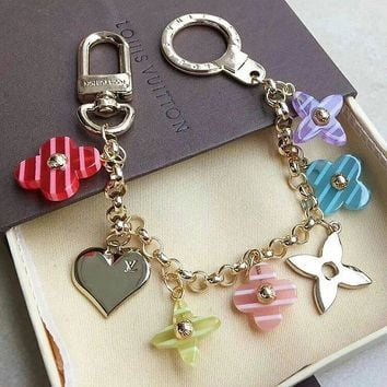 LV Louis Vuitton car key chain fashion wild color four-leaf clover heart-shaped buckle keychain F0534-1