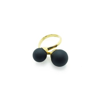 Unbloomed Flowers in Black, Ring