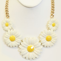 Clay-Based Daisy Necklace Set