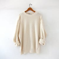 vintage cream sweater. slouhy textured knit sweater. boyfriend sweater. slouchy knit pullover. preppy minimalist.