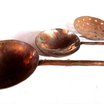 Farmhouse kitchen. Vintage kitchenware. Copper kitchen. Farmhouse chic decor. Ladles and strainer. Copper utensils. Hanging utensils.