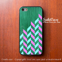 IPHONE 5 CASE GEOMETRIC Green Vivid Bright Girl iPhone Case iPhone 5 Case iPhone 4 Case Samsung Galaxy S4 S3 Cover iPhone 5c iPhone 4s case