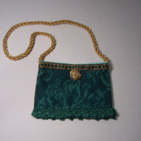 Purse/ Bag/ Small/ Green/ Feminine/ Girl/ Pretty/ DRESS UP/ Accessory/ Bridal/ Elegant/ Cosmetics/ Gift/ Holiday/ Coin/ Lipstick/ Precious