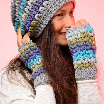 Hippie crochet hat. Multicolored Gray merino wool slouch hat and beanie, merino wool blend hat, winter wool hat and mittens, Fuchsia hat