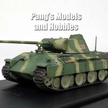 Panther Tank Panzerkampfwagen V - Green Camo -1/72 Scale Model by Panzerkampf