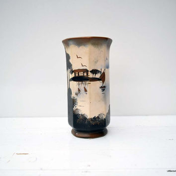Vintage 1930s Brentleigh Ware pattern 332  Made in England 17.3 cm/6.8 inches tall Vase