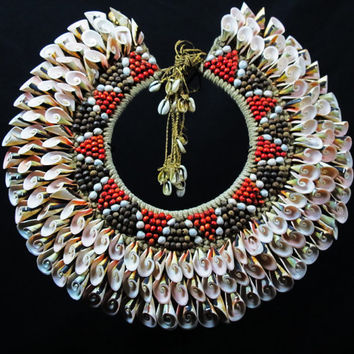 Papua New Guinea Shell Necklace.Large Eight Banded Pink Curled Shells And Seeds Necklace.Ethnic Adornment Ceremonial Collar.Seashell Jewelry