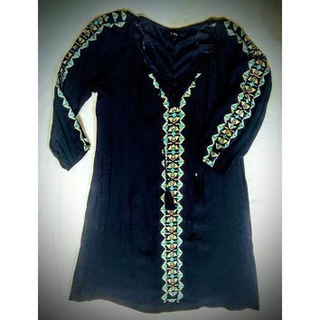 As U Wish dress with beautiful embroidery - size medium -.