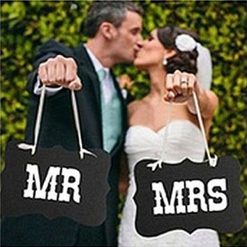 Couple Chair Mr & Mrs Signs Wedding Party Photo Props Banner Decoration 27x17cm [7983549127]