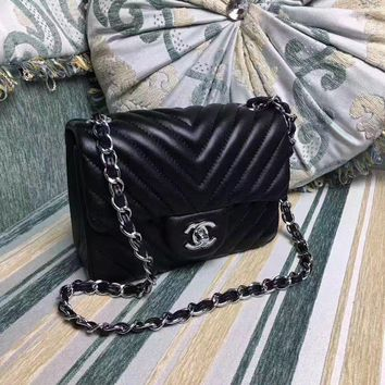 Chanel Women's Classic Caviar Cow Leather Chain Shoulder Bag