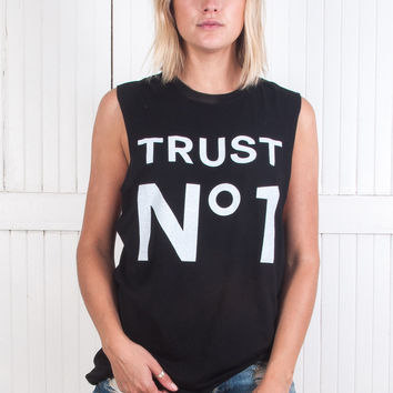 Trust No 1 Muscle Tee Clean
