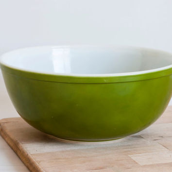 Pyrex Forest Green LARGE Mixing Bowl, Avocado Green Nesting Bowl 404, 4 Quart, Alternate Primary Mixing Bowl