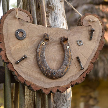 Rustic Wood Decor Horseshoe Horse Year western Wedding ornament Wooden decor Driftwood decor Wall hanging Farm house sign Cottage style