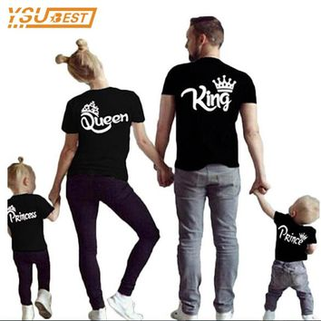Family Matching Outfits New 2017 Summer Matching Father Mother Daughter Son Clothes Cotton Short Sleeve T-shirt King Queen