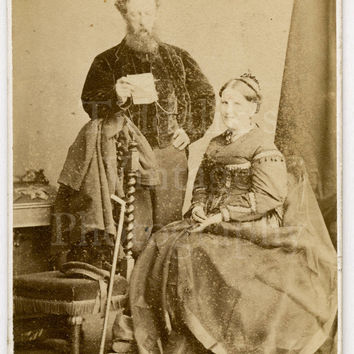 CDV Carte de Visite Photo Victorian Couple with Man Holding a Piece of Paper by J Rodgers of Saint Andrews Scotland