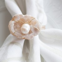 Snow Oyster Napkin Ring
