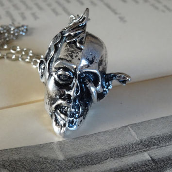 1- Memento Mori Skull Locket Necklace Remember That You Have To Die Opening Trinket Pill Locket Finished Necklace
