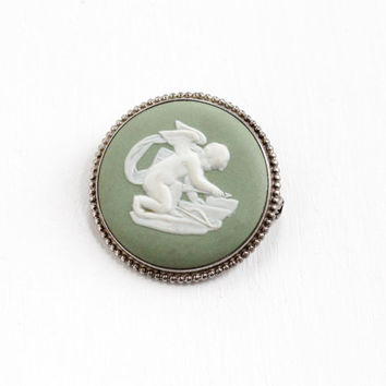 Vintage Wedgwood Sterling Silver Cherub Cameo Brooch - Round Green Jasperware Cupid and Arrow Jewelry Pin, Made in England 62 TS
