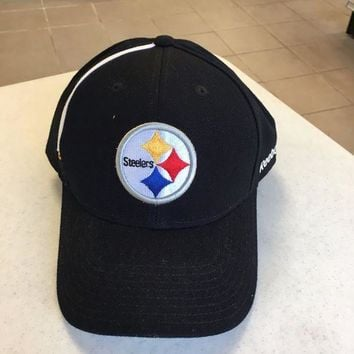 CREYONC. BRAND NEW PITTSBURGH STEELERS BLACK REEBOK WHITE STRIPE ADJUSTABLE HAT