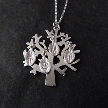Customized Grandmother Necklace, STERLING SILVER, Family Tree Necklace, Grandmother Jewelry, Mother Children, Initials
