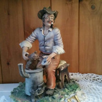 Stunning Large vintage Capodimonte figurine/ Old man with tea urn/ signed Conte / perfect condition