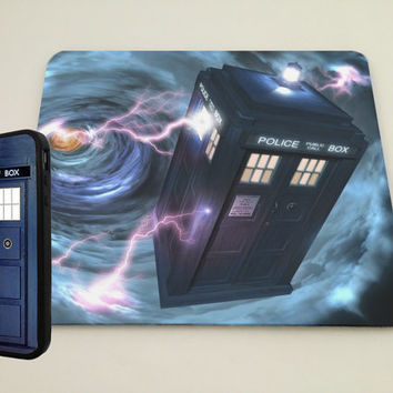 TARDIS iPhone Case and mouse pad bundle, iPhone 4, iPhone 5 case, iPhone 4S case, iPhone cover, Hard case Doctor Who