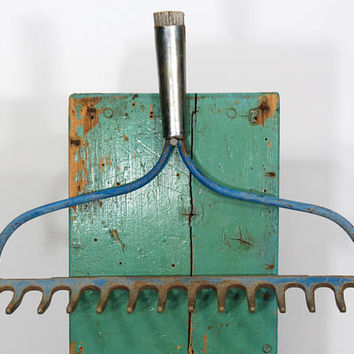 Vintage Bowhead Garden Rake Head . Blue & Rust . Rustic Wine Glass Holder . Kitchen Utensil or Gardening Tool Hooks . 14 Tines