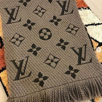 LV Louis Vuitton Retro Warm Cashmere Cape Tassel Scarf Scarves Shawl Accessories