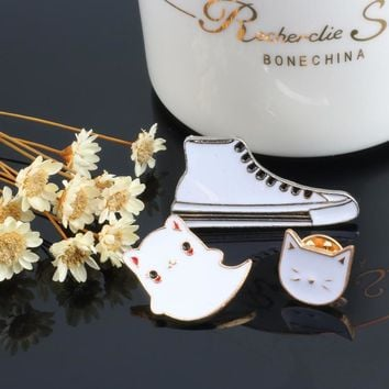 3pcs/set Cartoon Canvas shoe Enamel Pin Cat Cute Animal Anime Icons Brooches for Women