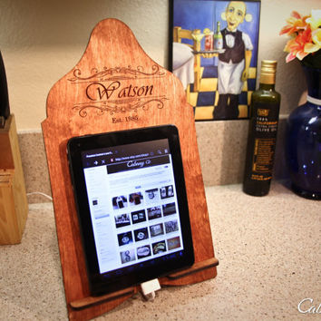 Personalized Wood Family Name Tablet Stand Stand Kindle Nook Stand & iPad Stand ~ Docking Station