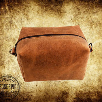 Rustic Dopp kit, Hand Burning initials, Brown Leather, Toiletry bag, Gift for men, Leather men's, Shaving bag, Gifts for him, Travel case