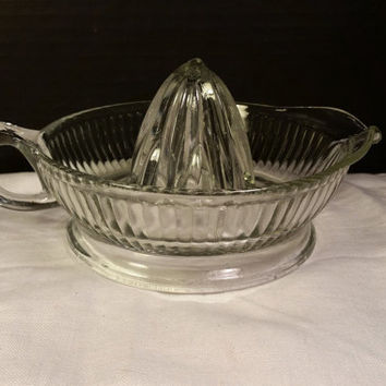 Clear Glass Juicer 1940s Large Vintage Clear Glass Juice Reamer with Spout and Handle Citrus Juicer Rib Design Breakfast Juice Barware