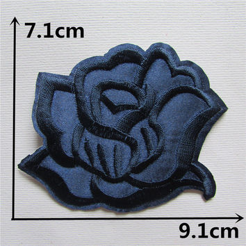 1pcs size 7.1*9.1cm roses flower embroidered patches badge applique embroidery design clothing DIY accessories patches