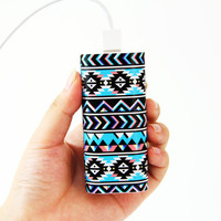 Tribal Ethnic Pattern Power Bank Charger for iPhone and Samsung
