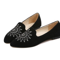 Casual Women's Flat Shoes With Embroidery and Pointed Toe Design