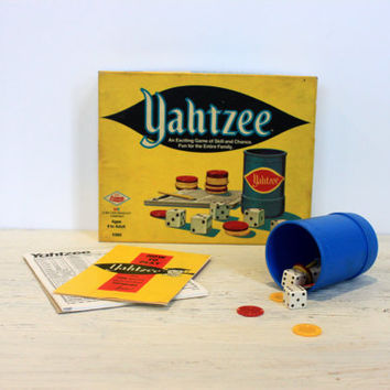 vintage yahtzee game // 1971 // retro toy