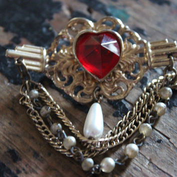 Vintage Brooch PEARL swag chain Brooch Gold Tone Ruby Red Brooch Vintage Hat Pin Brooch epsteam Vintage Jewelry accessories chain coat pin