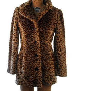 1990s. leopard print. button up. faux fur. plush coat. extra small-small