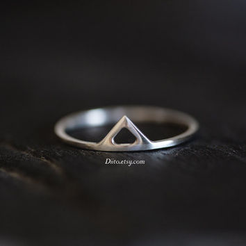 Size 7, Sterling Silver, Handmade Jewelry, Triangle Ring, Thin Rings, Simple Rings,  Minimalist Ring, Geometric, Ready To Ship!