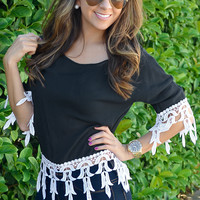 A Touch Of Class Top: Black/White | Hope's