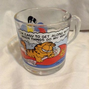 GARFIELD ODIE Clear Glass Coffee Mug JIM DAVIS 1978 McDonald's Canoe vintage fun