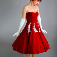 Holiday Sale - 1950s Red Velveteen White Lace Strapless Party Dress. Mad Men. Audrey Hepburn. Holiday Party