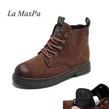 La MaxPa Dr. Martens Women's Pascal Designer Winter Retro Leather Lace Up Motocycle Boots Woman Carving Ankle Warm Martens