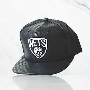 Mitchell & Ness Perf Leather Snapback - Nets
