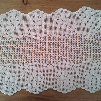 Vintage Rose Filet Crochet Doily, Vintage Handmade Crochet Doily, Natural Cotton, Ivory Color from 1980- Unused